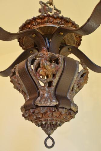 Riddle chandelier, panel close up