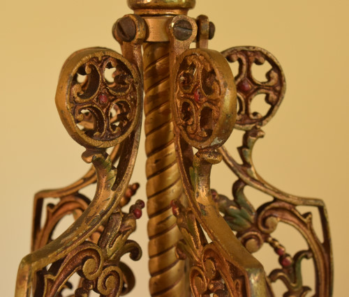 Fuchsia chandelier, stem closeup