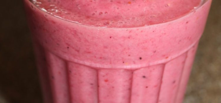 Berry Banana Smoothie Recipe- Quick, Easy And Healthy Alternative To A Milkshake