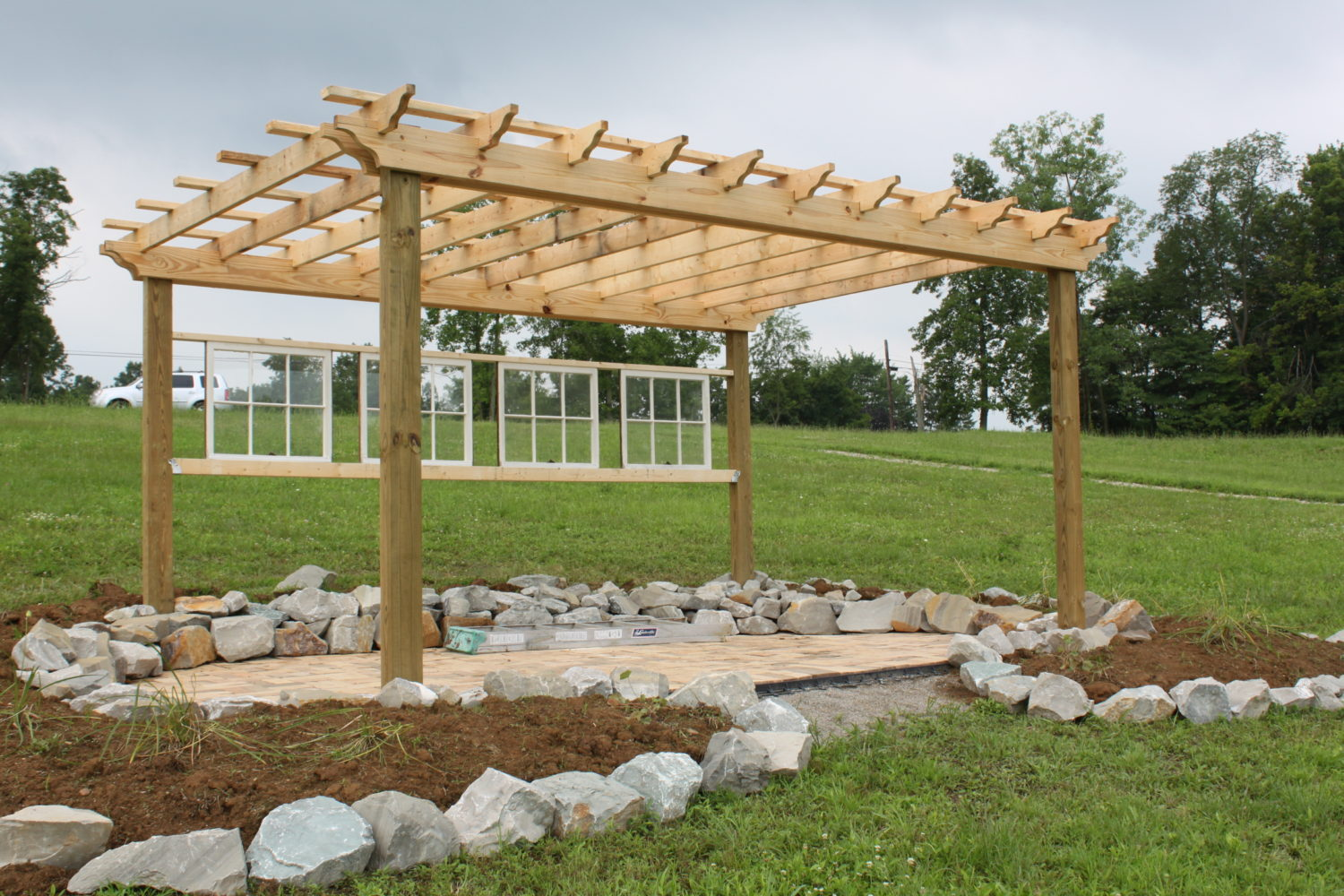 Tips to building your own beautiful pergola old world for Plans for arbors