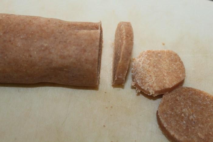 Slice the dough into thin segments.