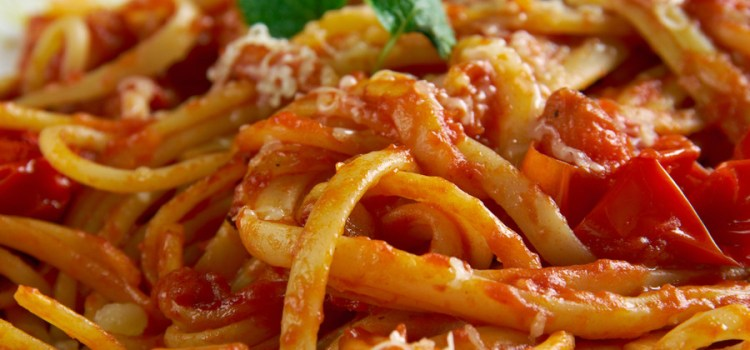 Homemade Garlic Pasta Sauce – A Great Use For Fresh Tomatoes