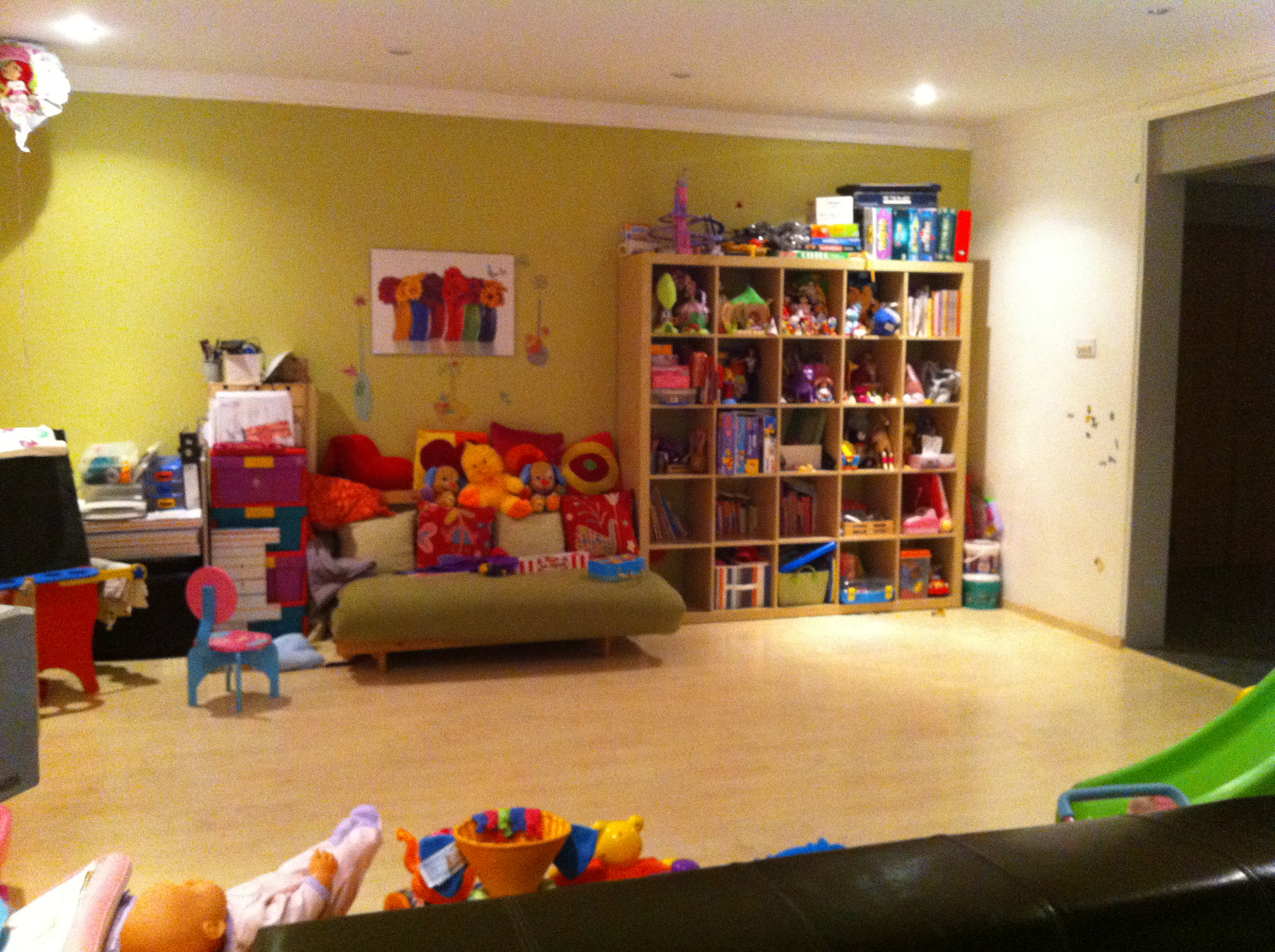 J&Zs colorful playroom