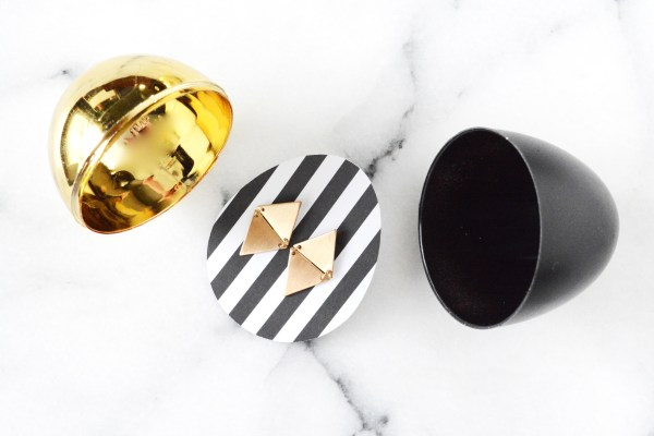 black and gold eggs 1