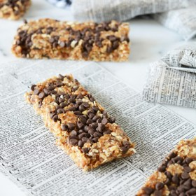 A Retro Style Bike and Homemade Chocolate Coconut Granola Bars