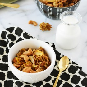 Night Cereal – Curry Coconut Cashew Granola