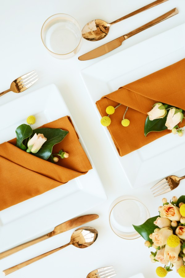 Pretty Napkin Folding with Fresh Flowers for Fall