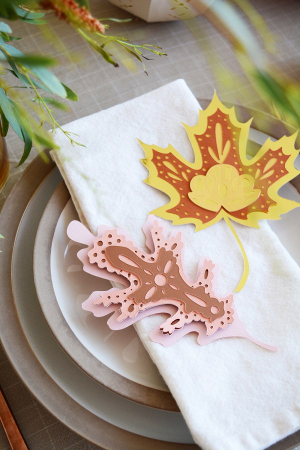 DIY Thanksgiving Decorations made with card stock and Cricut. -6