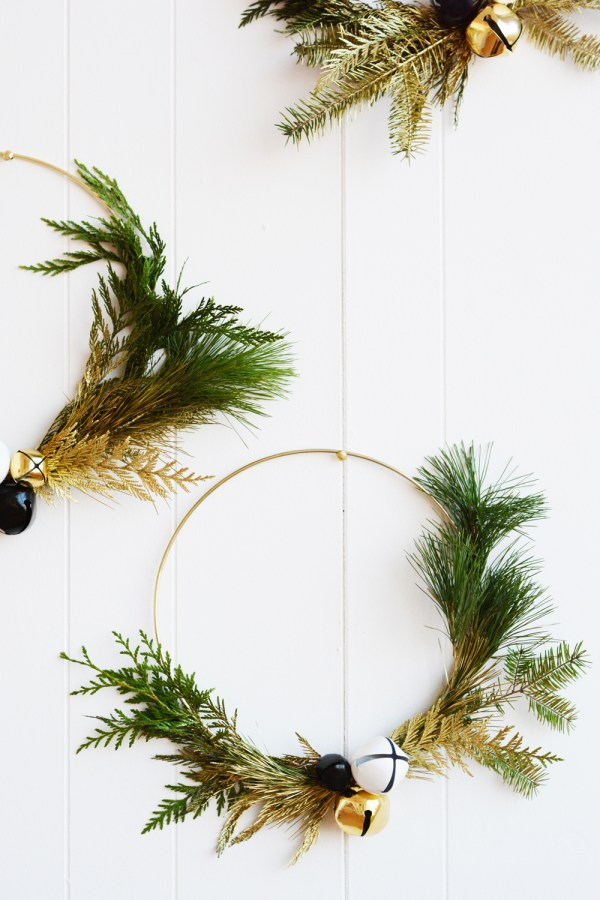 DIY Wintery Green Wreaths