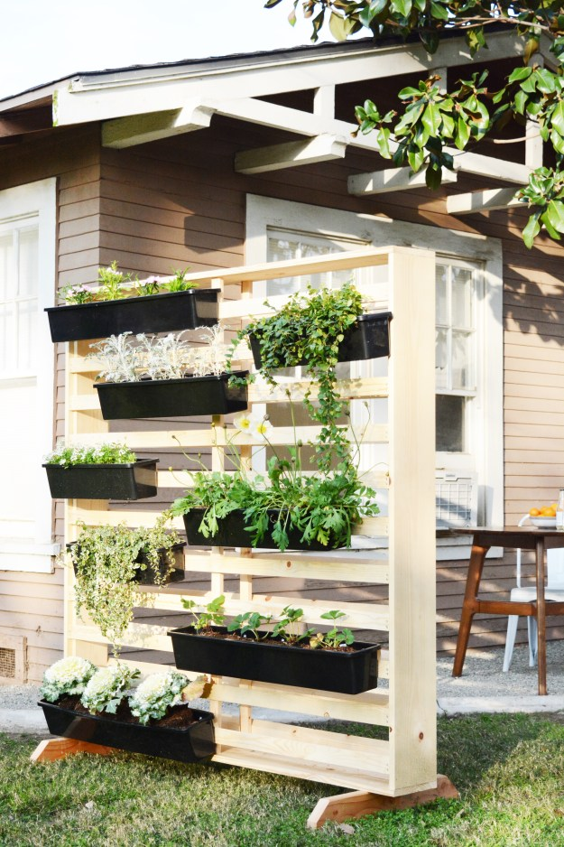 Vertical Living Wall with Moveable Planters