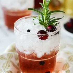 Juniper Berry Cranberry Tonic