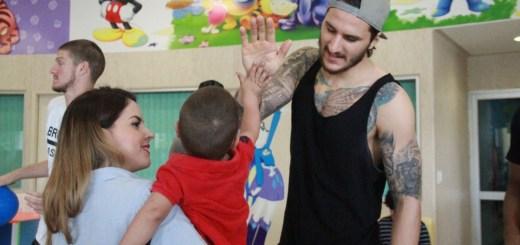 Caballeros comparte alegría en Hospital Pediátrico de Sinaloa