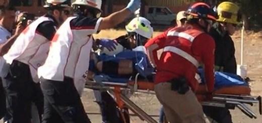 Una volcadura en la Mazatlán-Culiacán deja 7 heridos; entre ellos, tres menores