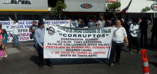 Entre protestas se realiza Desfile del Día del Trabajo