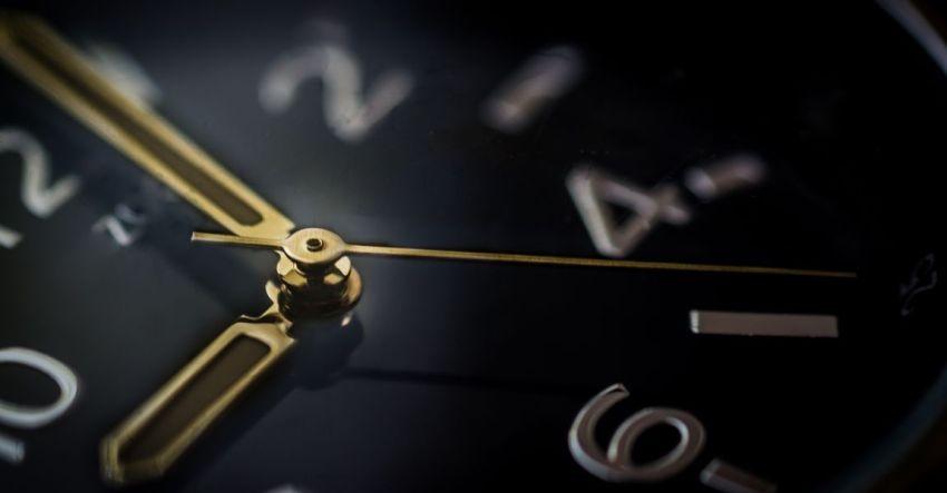Часы, фото, крупный план, Так сошлись люди, рассказ, Ирина Мокрецова