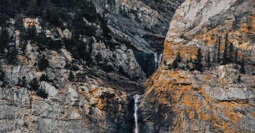 Горы, обвал, камнепад, валуны, фото к рассказу