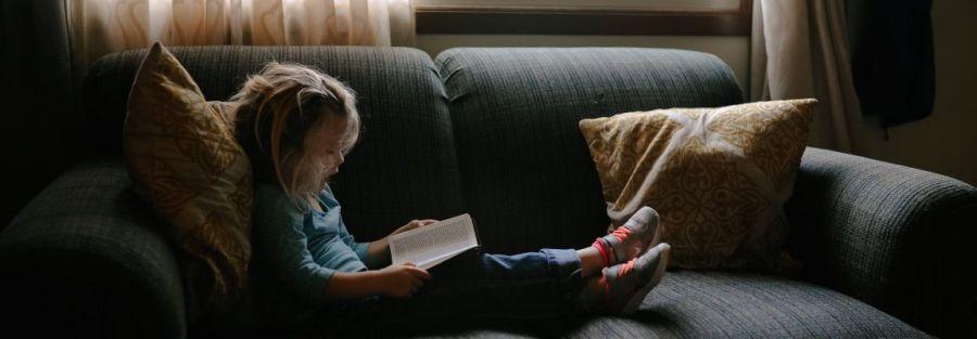 Девочка, книга, чтение