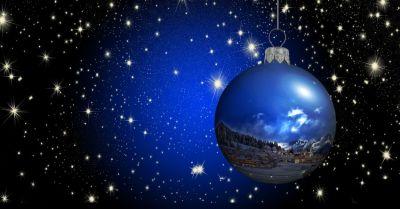 Ёлочный шар, новогодняя игрушка на ёлку, на рождество, фон, космос, вселенная