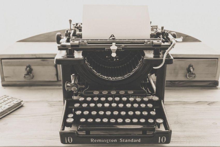 Пишущая машинка, писатель, творческий метод, подход