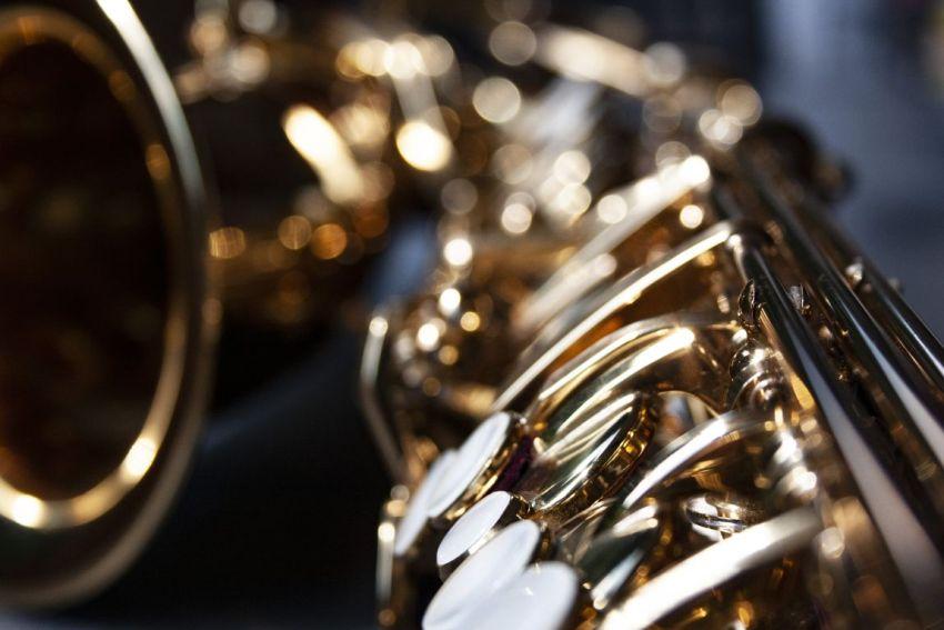 Саксофон, концертный зал