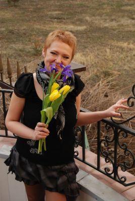 Инна Ким, с цветами, фото