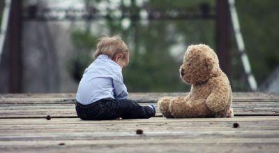 Ребёнок, мальчик, плюшевая игрушка