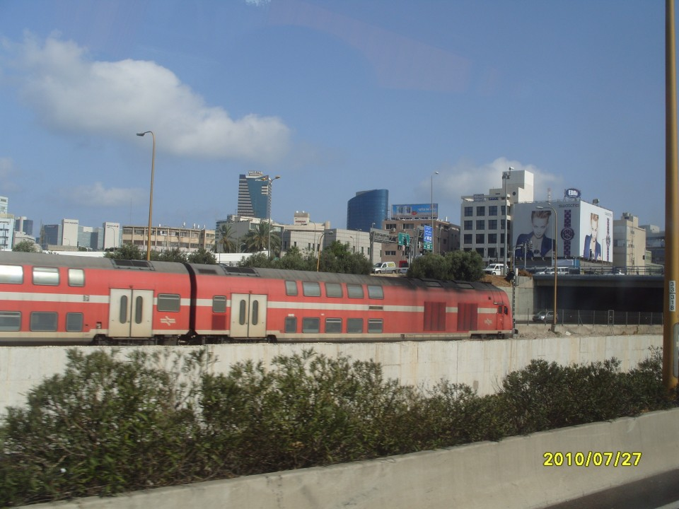 Типичный израильский поезд. К слову в них очень удобно добираться на большие расстояния.
