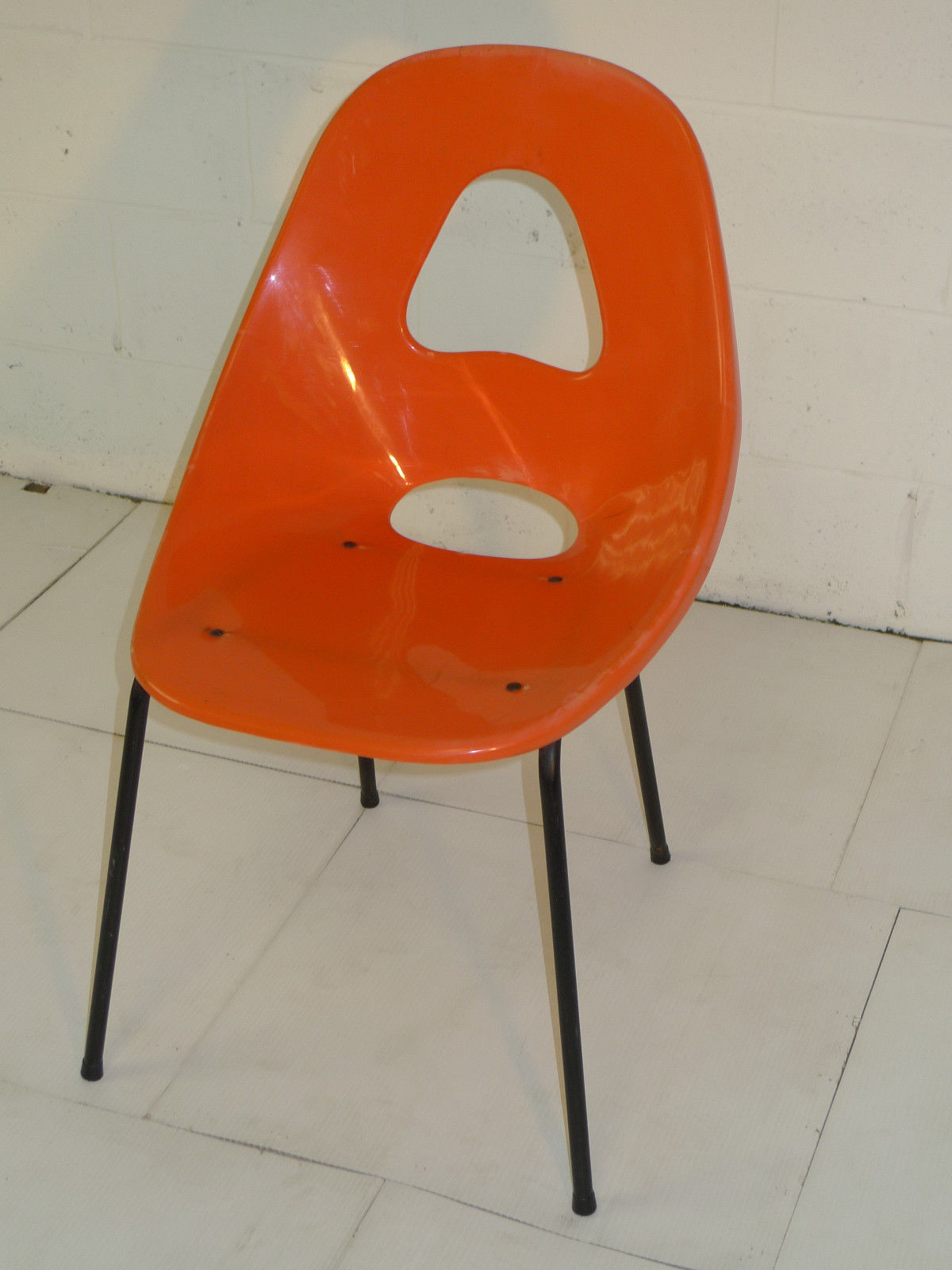 le corbusier chair sonoma outdoor anti gravity orange plastic space age mid century modern eames era chairs ...