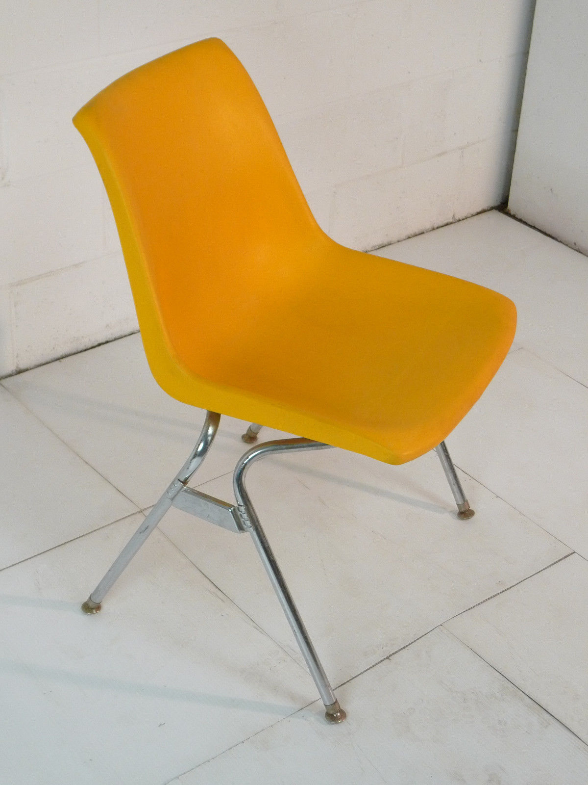 mid century modern plastic chairs green leather tufted chair yellow eames era 60 39s