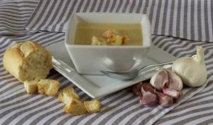 Ajoblanco en sopa fría