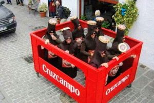Idea de disfraz en grupo para el Carnaval en febrero