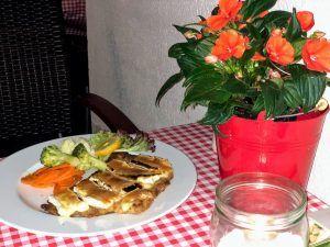 Schnitzel con camembert gratinado
