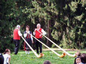 El 1 de agosto en Suiza tocan estos instrumentos