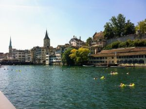 Zurich se tira al agua en agosto