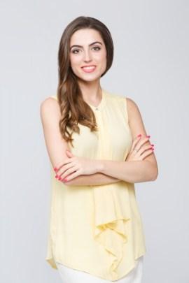 Блуза желтая с жабо