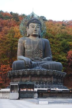 Buddha Statue at Sinheungsa Temple