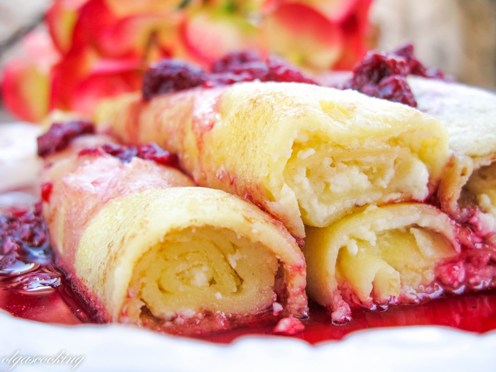 Sweet Cheese Crepes in Berry Sauce-Hалистники