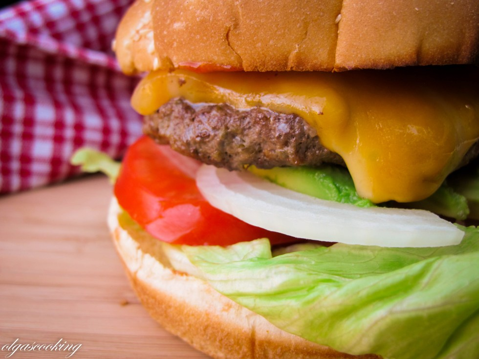 Cheddar Stuffed Jalapeno Burger