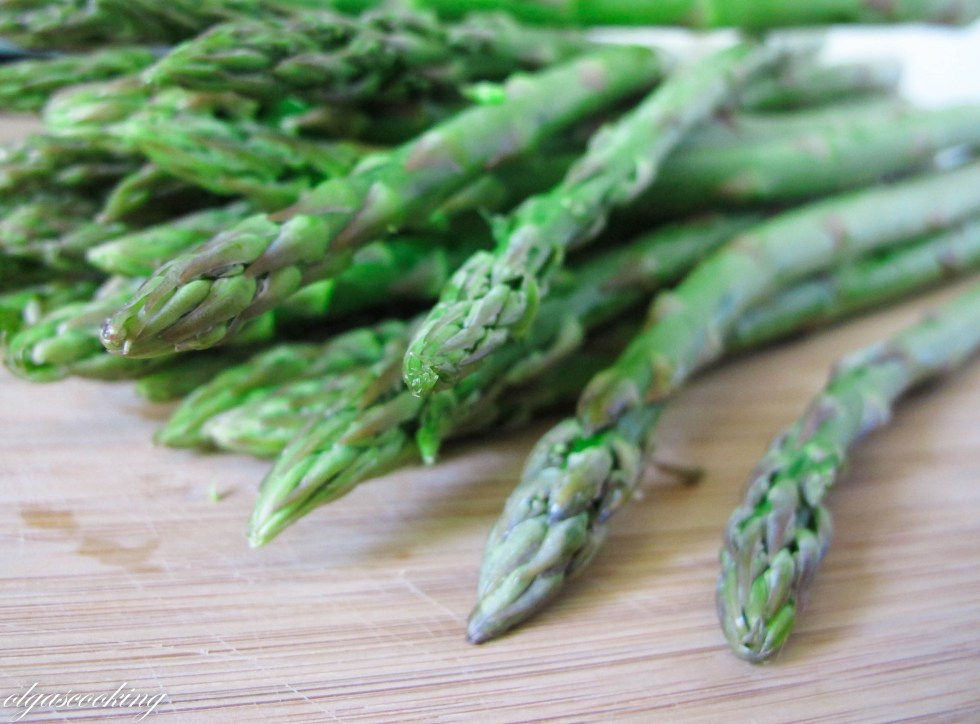 How to: Prep Asparagus for Cooking