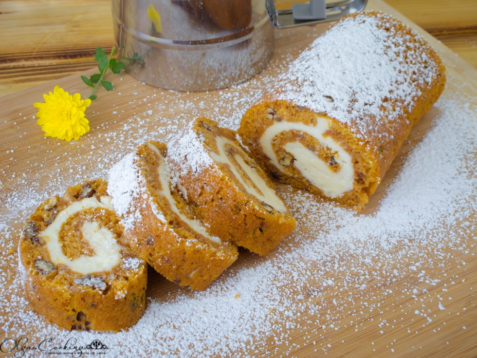 Nutty Pumpkin Roll