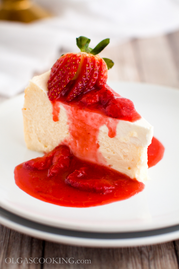 White Chocolate Sour Cream Cheesecake
