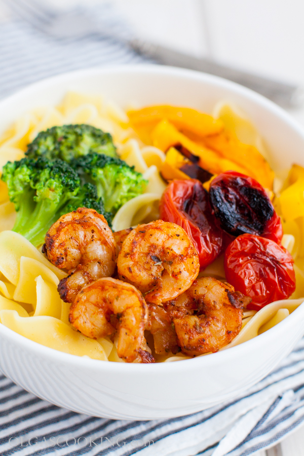 Noodles with Grilled Shrimp and Vegetables