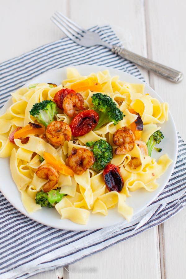 Noodles with Grilled Shrimp and Vegetables