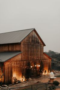 olgas rustic rentals - rustic barn