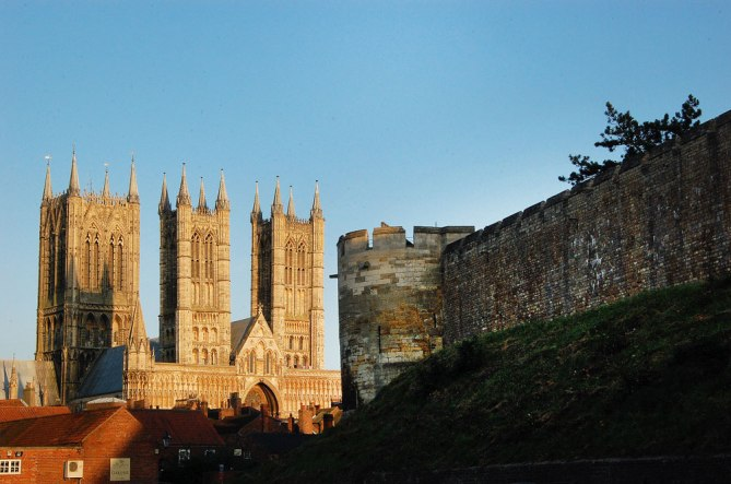 Town you must visit in England - Lincoln| Travel Blog| olgatribe.com #england