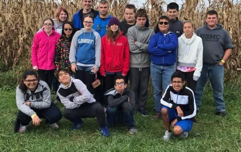 Class Has Fun at Corn Maze!