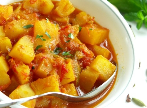 indian-curry-sauce-potato-500x370