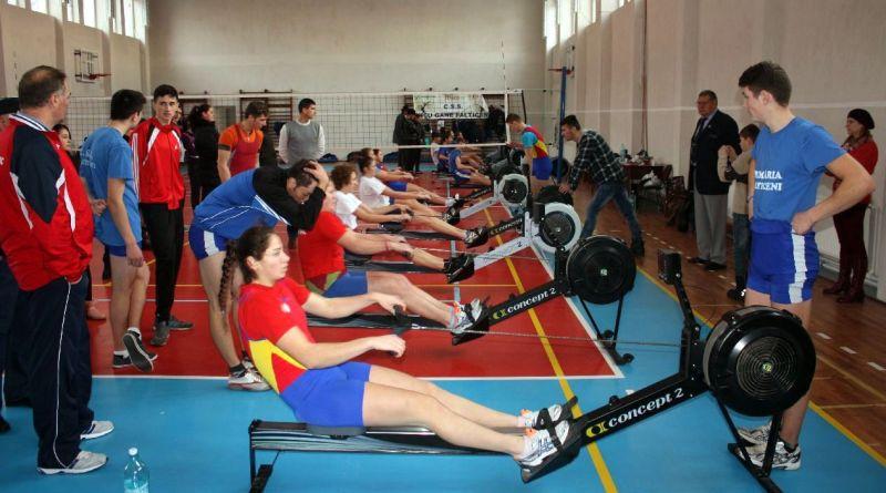 ergometru 2 - Canotorii se pregătesc pentru competițiile de sală