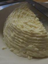 出来立ての羊乳リコッタチーズ