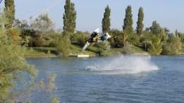 olivier-railey-slingshot-wakeboard-cablepark-wake.jpg